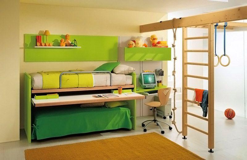В детской комнате с подобной конструкцией хватит места для спортивного комплекса или музыкального инструмента