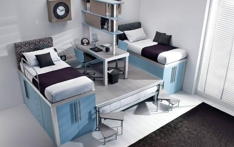 Вариант многоуровневой конструкции с двуспальным местом в подиуме