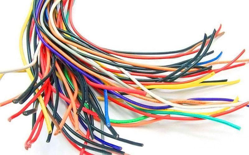 Несколько метров лишних проводов не скажутся на общей стоимости проводки, но позволят в дальнейшем подключить новые приборы