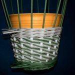 Плетение из газетных трубочек пошагово: новые идеи для начинающих и мастер-классы от рукодельниц