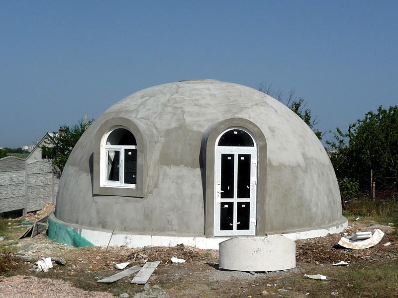 Малогабаритный домик из бетона