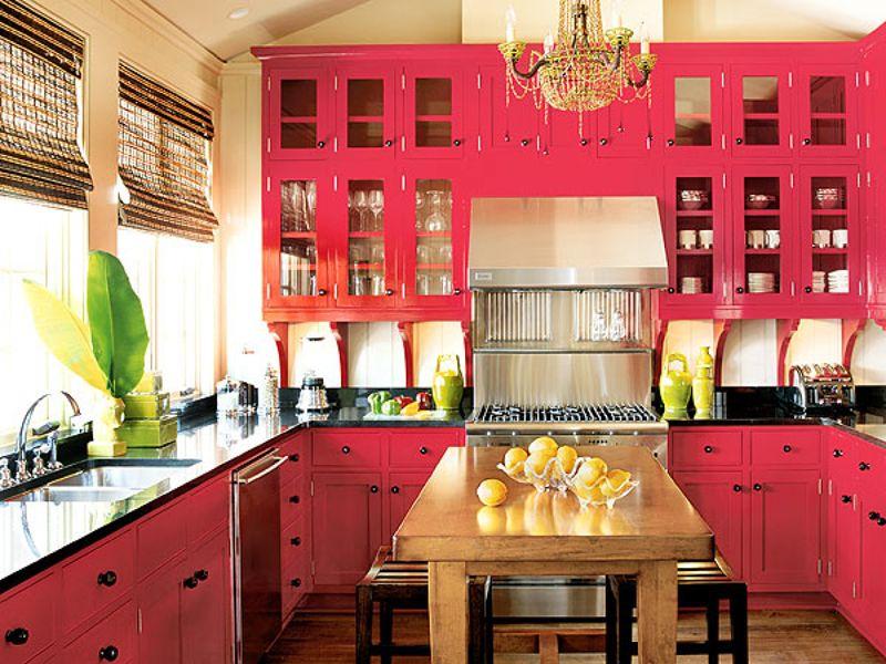 Яркие розовые оттенки придают интерьеру утонченности