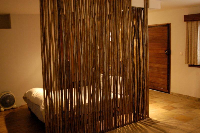Выделение спального места из общего пространства комнаты