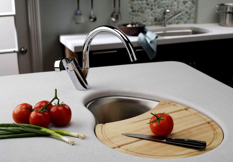 Установку плиты и раковины следует производить с учётом расположения коммуникаций