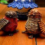 Птицы из газетных трубочек