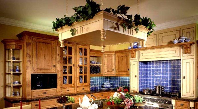 Кантри – использование природных оттенков и грубоватой мебели. В декоре используются глиняная посуда, тканый вручную текстиль