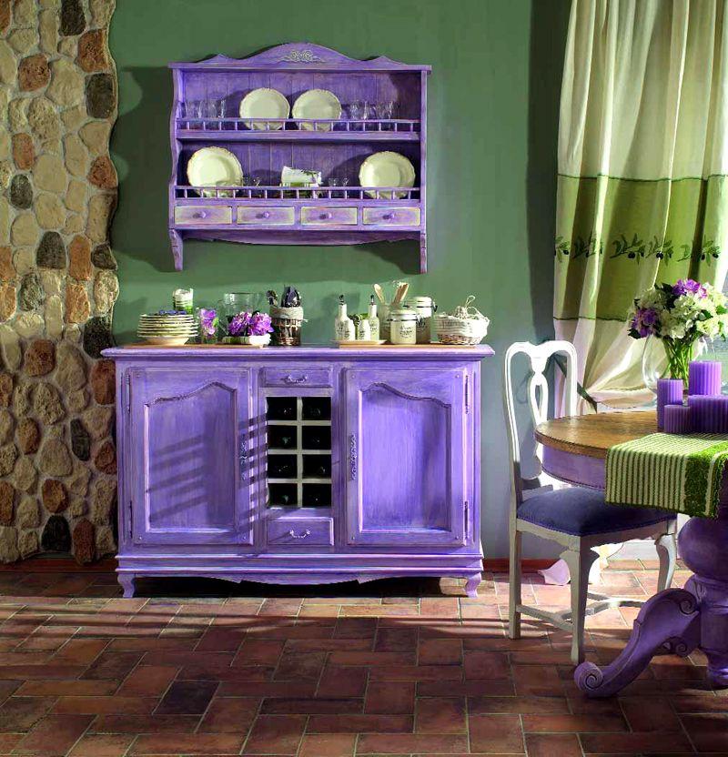 Привлекательно выглядит искусственное «состаривание» мебели для стиля Прованс