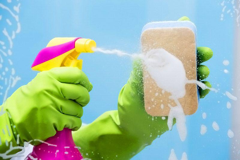 Качественные обои отмываются поролоновой губкой и мягким моющим средством