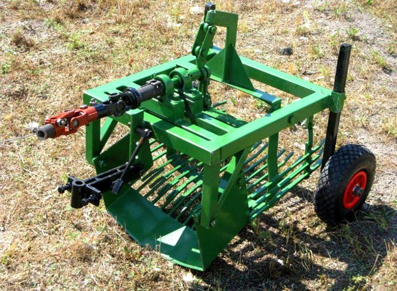 К валу отбора мощности можно подсоединить картофелекопалку, другое специализированное оборудование