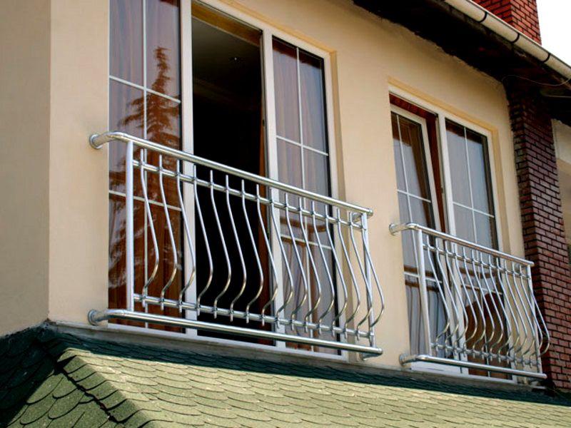 Безопасные металлические ограждения для панорамных конструкций