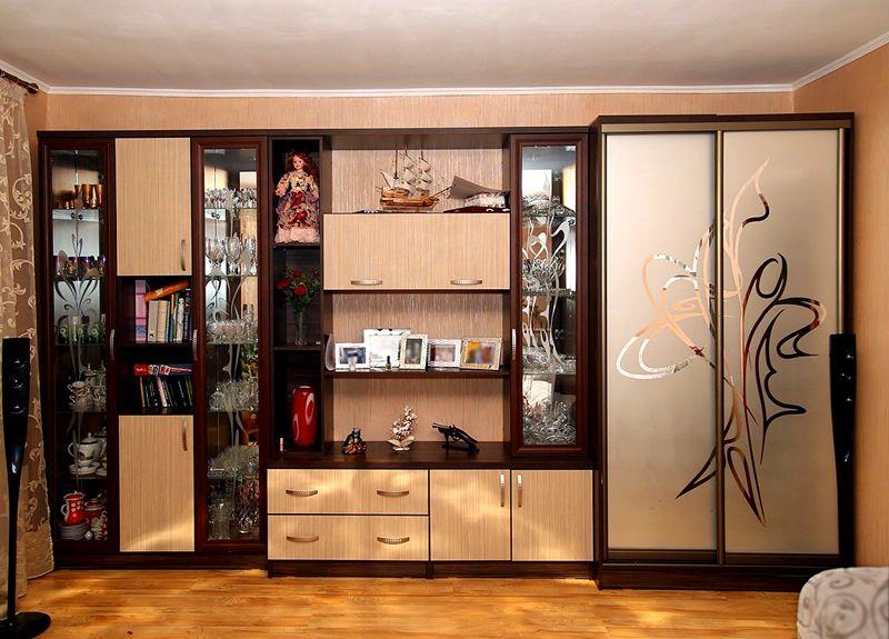 Функциональная стенка-шкаф