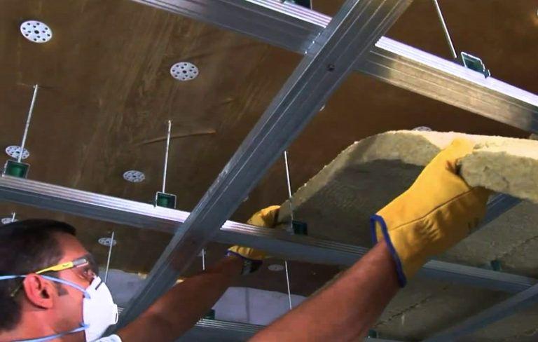 Установка натяжных потолков с шумоизоляцией