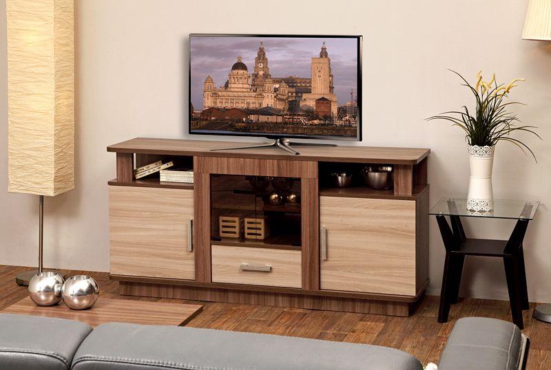Габаритный предмет мебели содержит большое количество вместительных полок