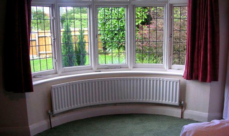 Остекление эркерной лоджии или балкона.