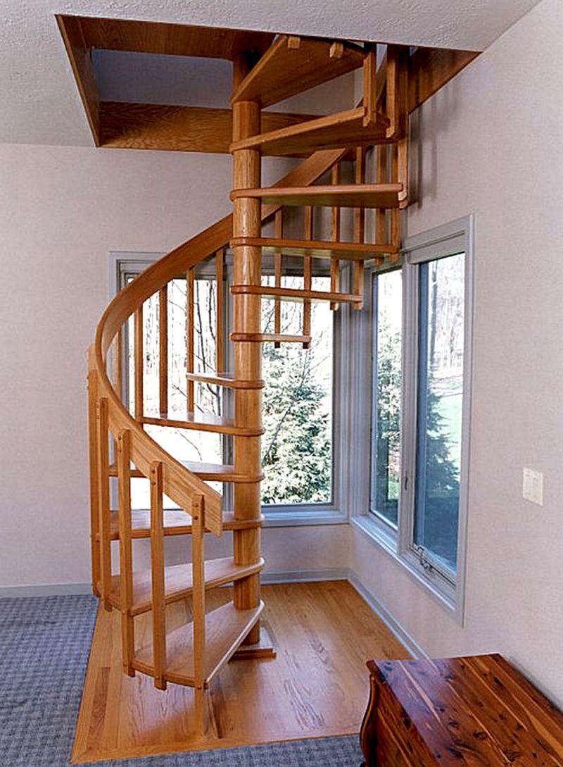 Универсальная винтовая лестница на второй этаж эконом класса подойдет к разным современным интерьерам