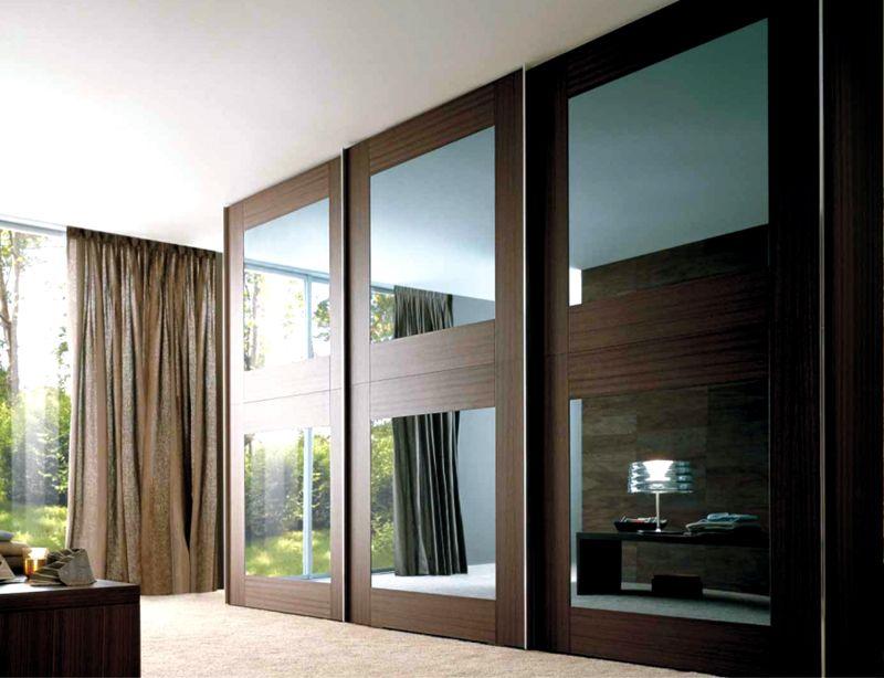 Шкаф купе в гостиную во всю стенусоздают с применением дорогих материалов, с качественной отделкой