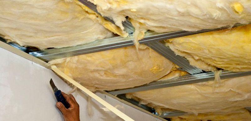 Заливка пеной потолочных конструкций