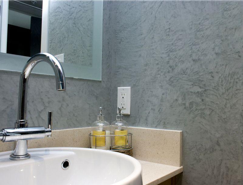 Для ванных комнат лучше использовать акриловые или силиконовые смеси