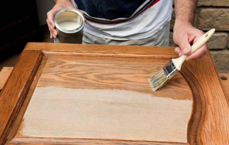В ходе традиционных технологий приходится пользоваться глубинными пропитками, создавать последовательно несколько защитных и декоративных слоев