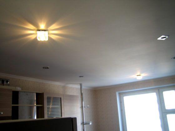 Одноуровневые потолки