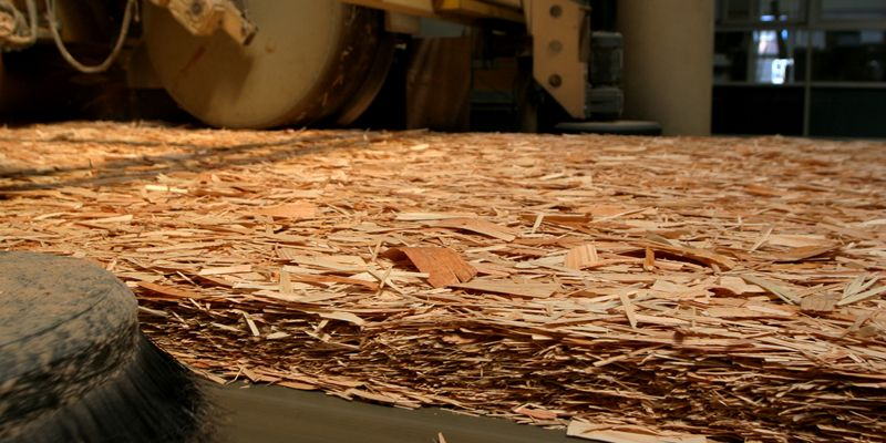 Для производства плит используют отходы деревоперерабатывающей промышленности