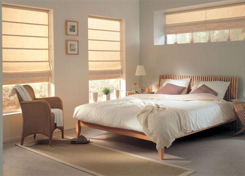 Для спальни подойдут каскадные драпировки. Они добавят интерьеру мягкость и элегантность