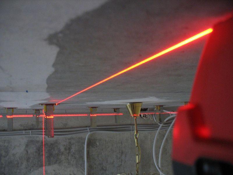 Разметку лучше проводить лазерным устройством