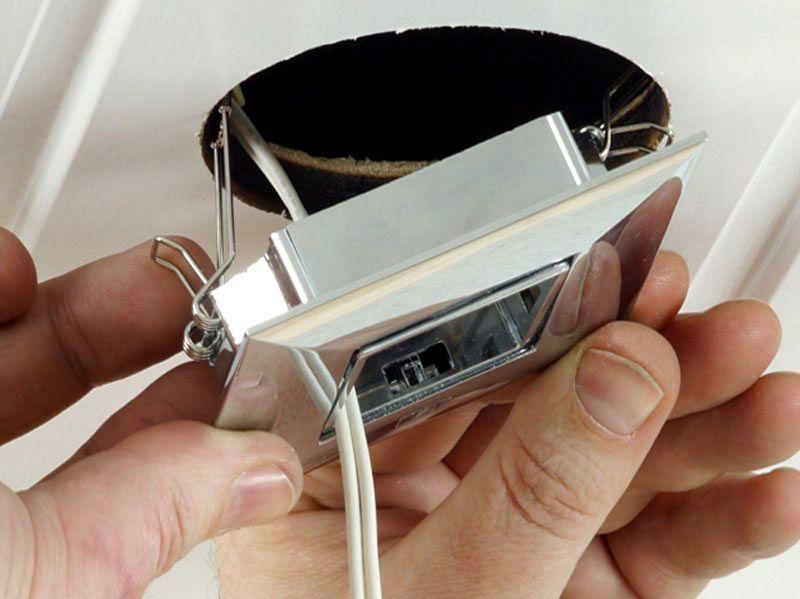 Установка ламп не требует каких-то особых навыков и может производиться своими силами