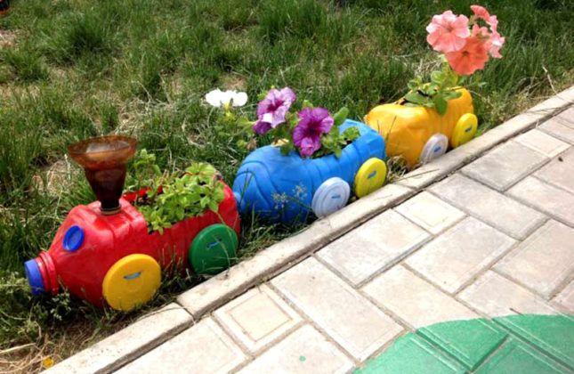 Цветники и клумбы своими руками из подручных материалов: фото идеи и популярные конструкции