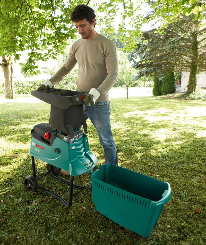 Бензиновый агрегат можно поставить в любом уголке сада