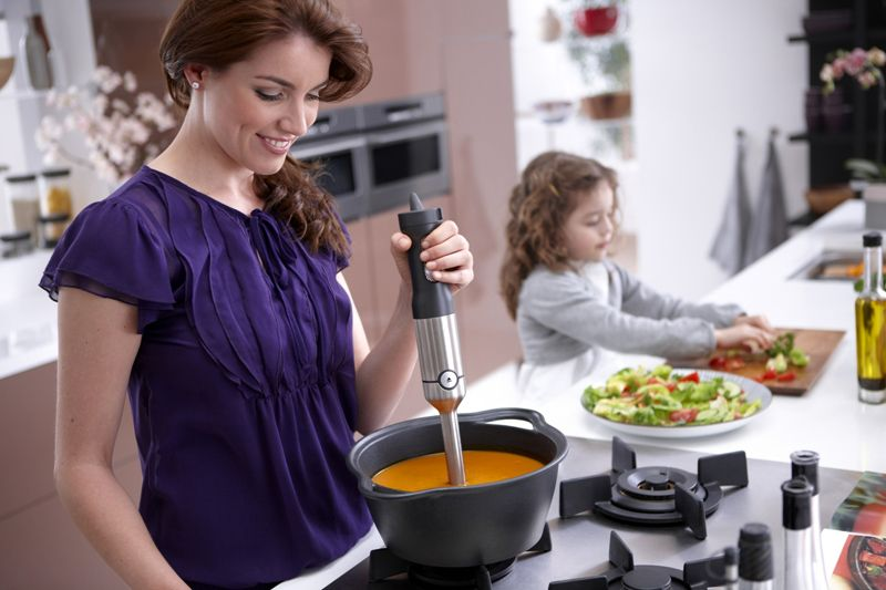 Для блюд с повышенной температурой следует использовать только насадки из термостойкого материала