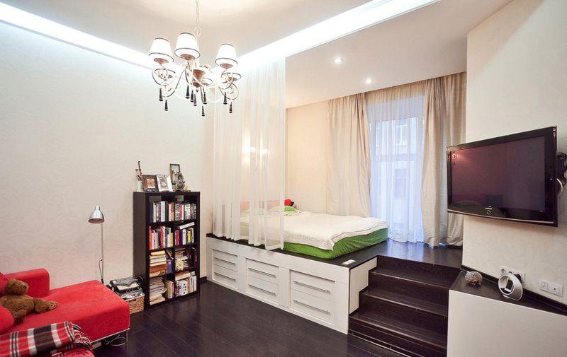 Разделение гостиной и спальни при помощи подиума