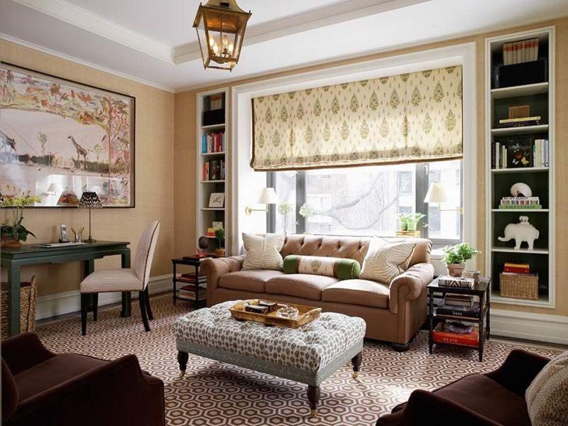 Для гостиной комнаты хорошо подходят тафта, жаккардовые ткани и атласная материя