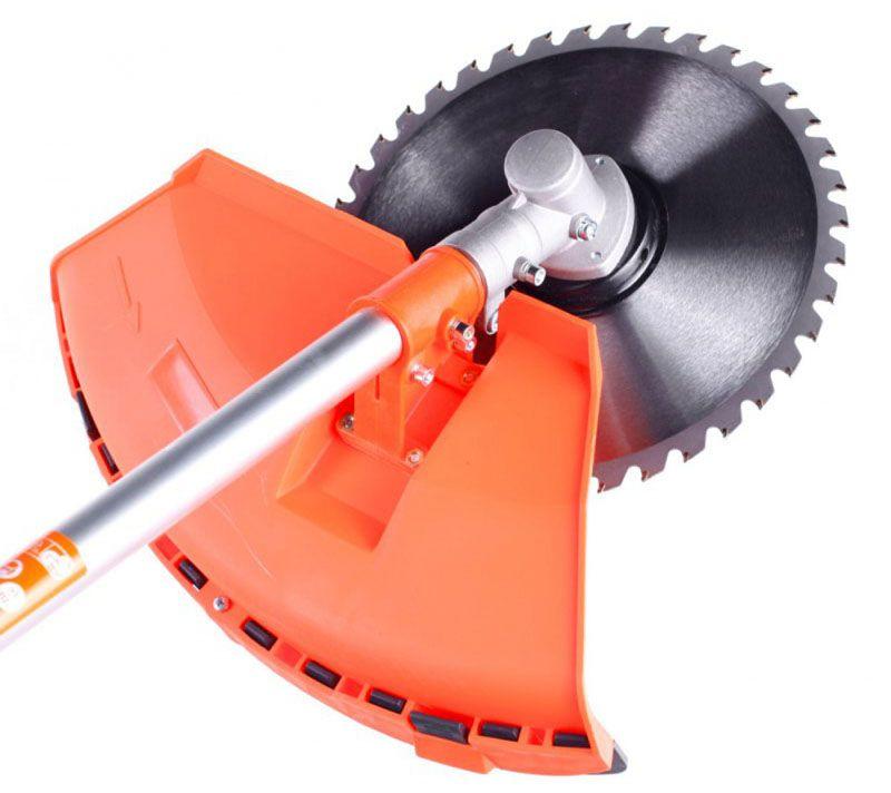 Все приборы профессионального назначения оборудованы помимо катушки с леской и металлическим диском для срезания мелких веток и побегов