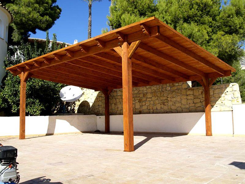 Из древесины можно создать мощные опорные элементы