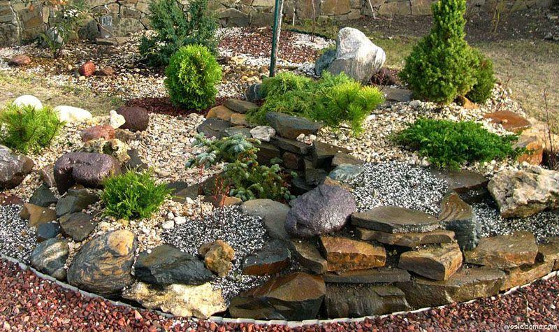 Красивый каменный сад
