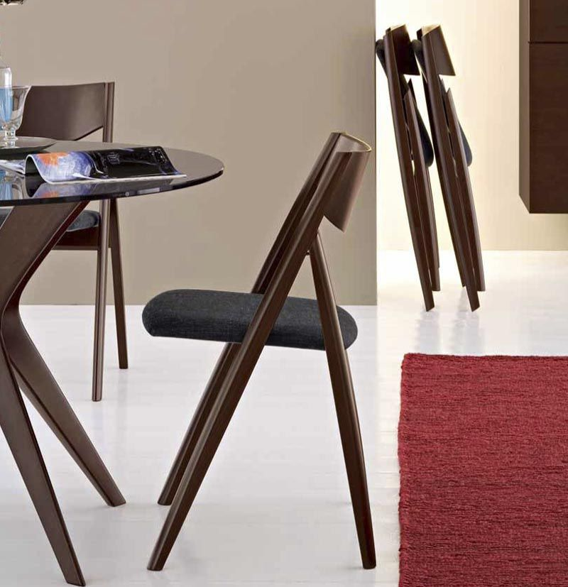Функциональные складные стулья