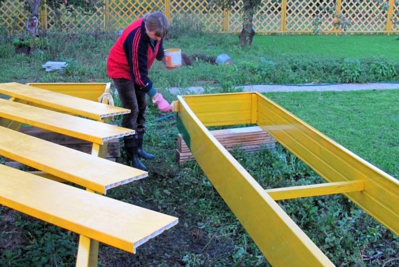 Окрашивание пластиковой конструкции перед установкой в посадки