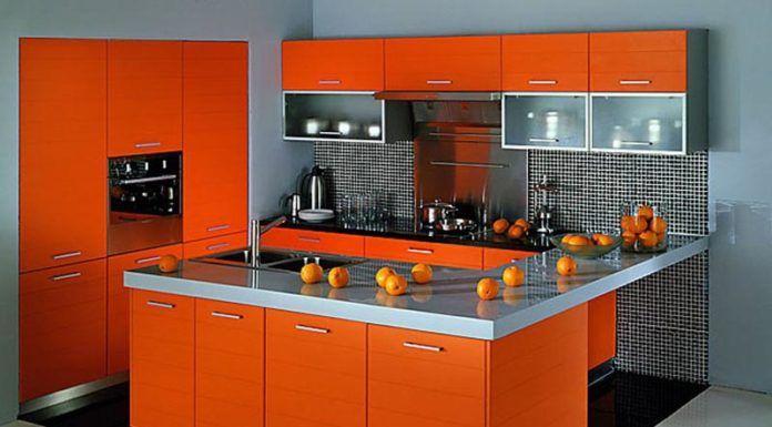Применение оранжевой кухни в интерьере вызывает только положительные эмоции