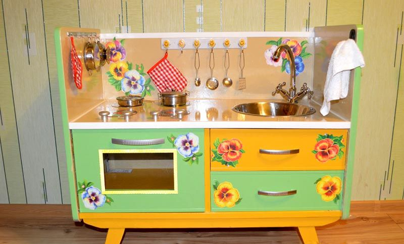Сделать кухню для детей