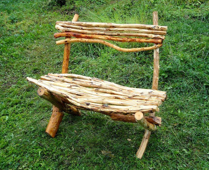 Садовая скамейка своими руками из бревен