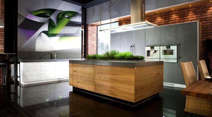 Вместо бесполезных лютиков можно вырастить петрушку, укроп, салат. Еще одно наглядное свидетельство практичного подхода к оформлению кухонного пространства