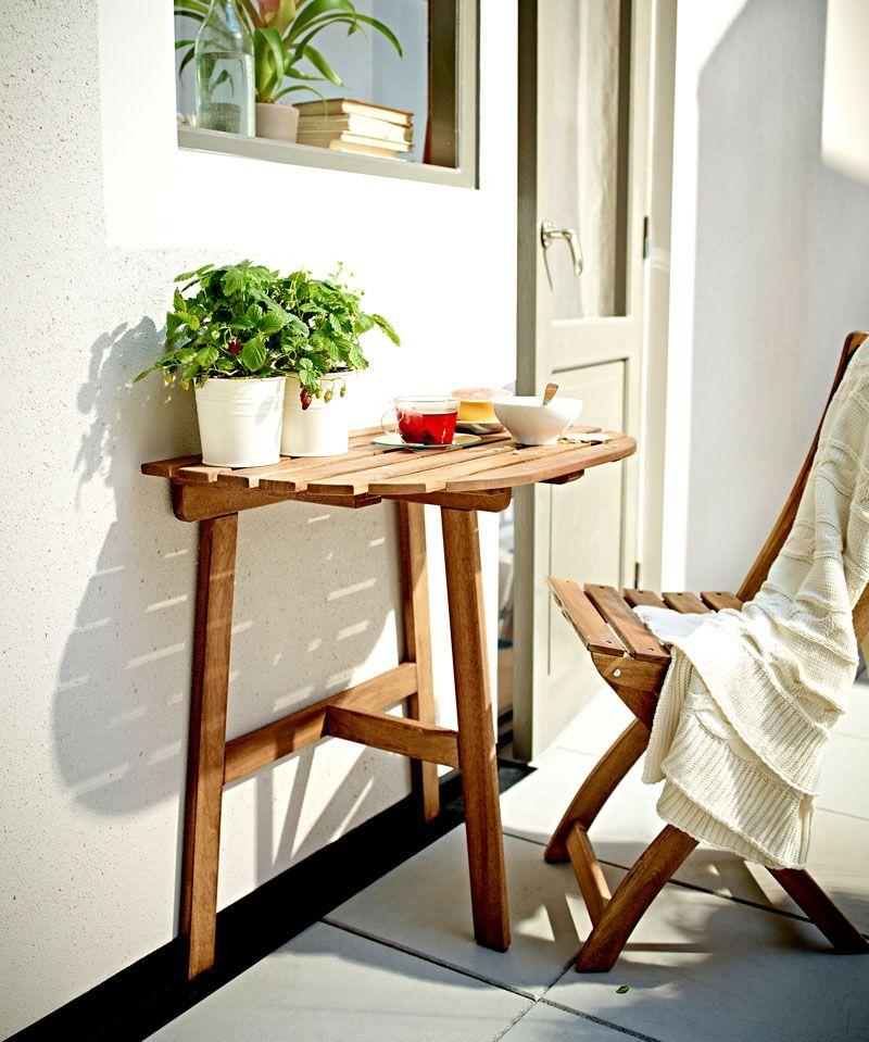 Для малогабаритного помещения с успехом применяется складная мебель