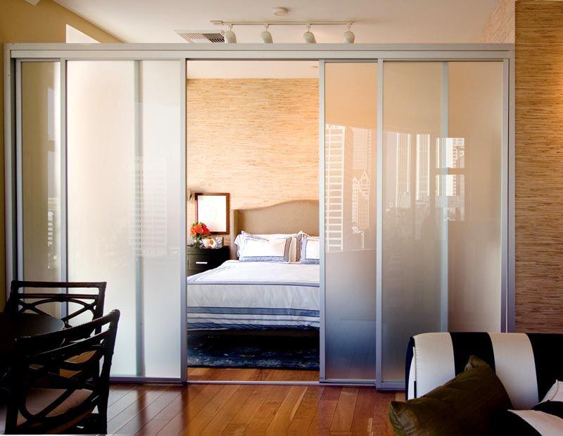 Сдвижная дверь сэкономит пространство