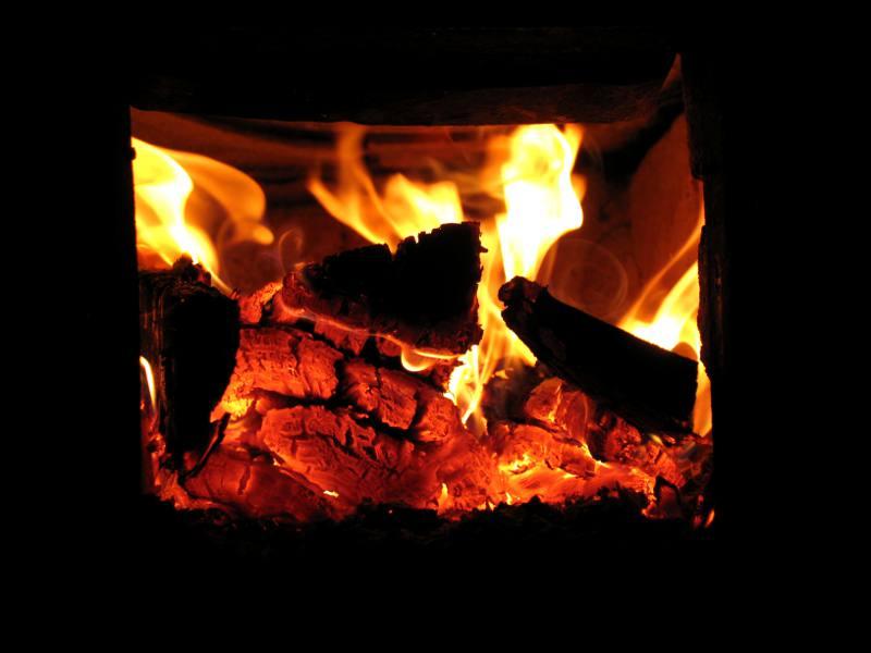 Огонь всегда завораживает