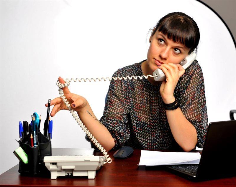 Процесс передачи сведений предельно прост. Нужно просто набрать номер телеоператора и следовать командам, набирая номер договора и показания счетчика на телефоне