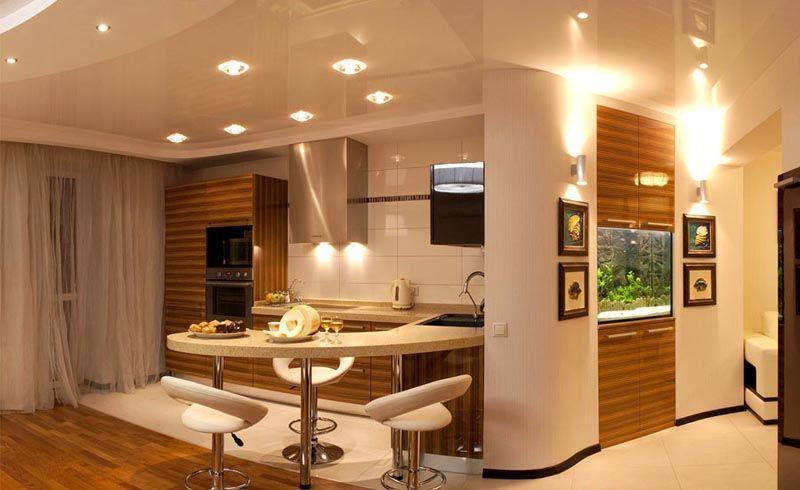 Потолочная система освещения органично дополняется всевозможными подсветками отдельных предметов