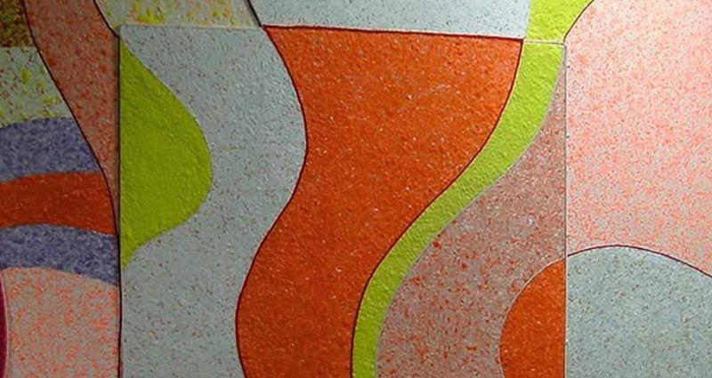 Комбинируя материалы разных оттенков, можно создавать интерьеры с учетом своих вкусов