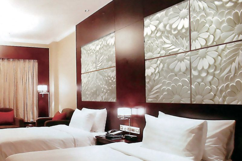 И красивый материал может обладать теплоизоляционными качествами, а также защищать от шума