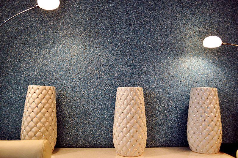 Благодаря необычной структуре материал замечательно сочетается с разными предметами декора